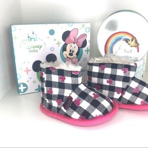 Gingham Disney Minnie Baby Boots with fur lining